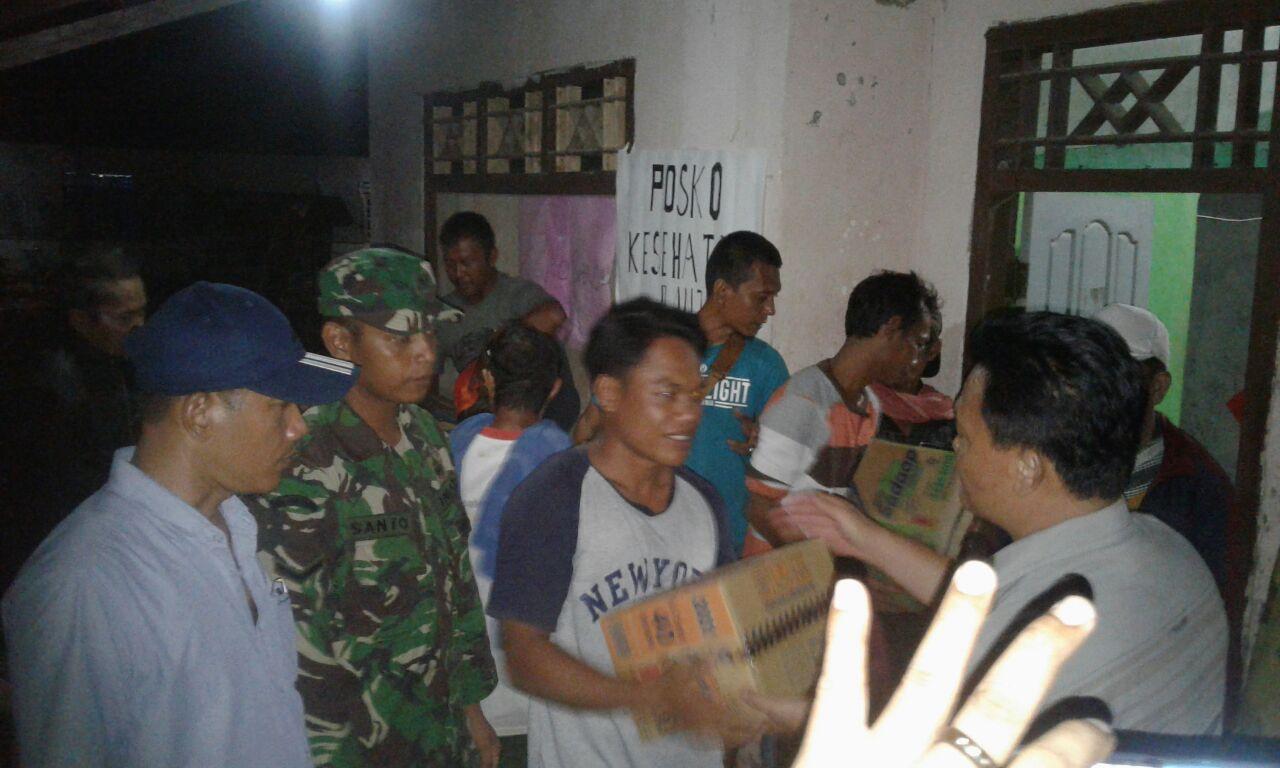 Pemkab Lamsel Salurkan Bantuan kepada Korban Banjir di Sragi