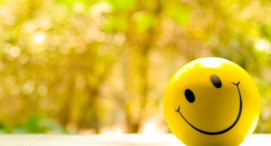 LAMPUNG POST | Empat Cara untuk Bahagia