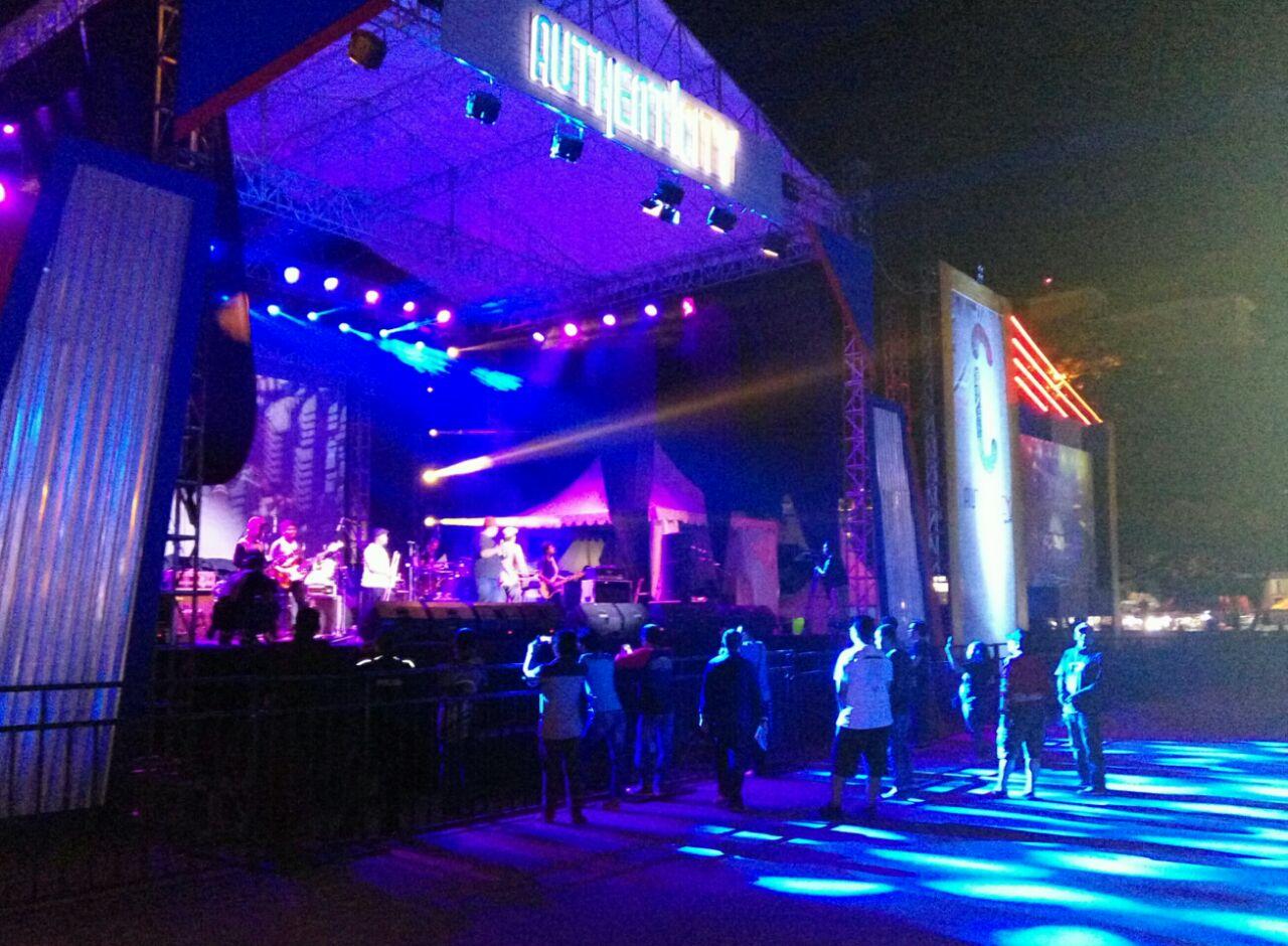 LAMPUNG POST | Konser Authentic City di Lapangan Saburai Siap Menghibur