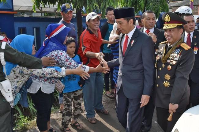 LAMPUNG POST | Jokowi Senang Polri Masuk Empat Besar Lembaga Terpercaya