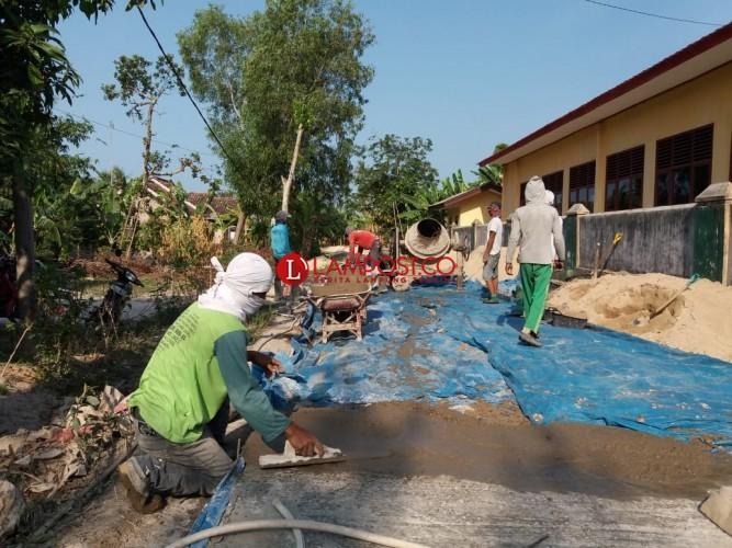 Cuaca Buruk, Nelayan di Ketapang Pilih Bekerja di Proyek Jalan Desa