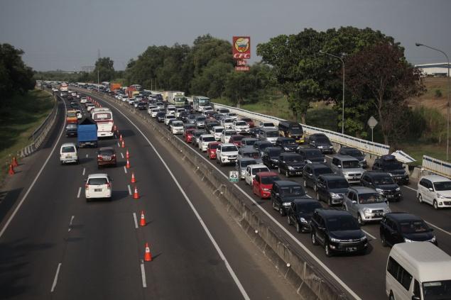 LAMPUNG POST | Kemacetan Jelang Rest Area Dikeluhkan