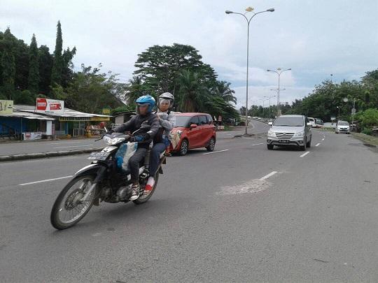 LAMPUNG POST   Pemudik Ramai Lancar di Jalan Soekarno-Hatta