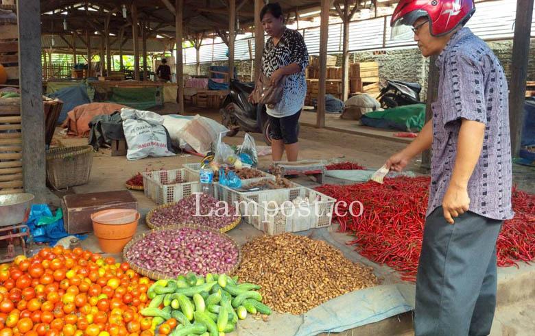 LAMPUNG POST | Jelang Puasa, Harga Sayur-Mayur di Lamsel Stabil