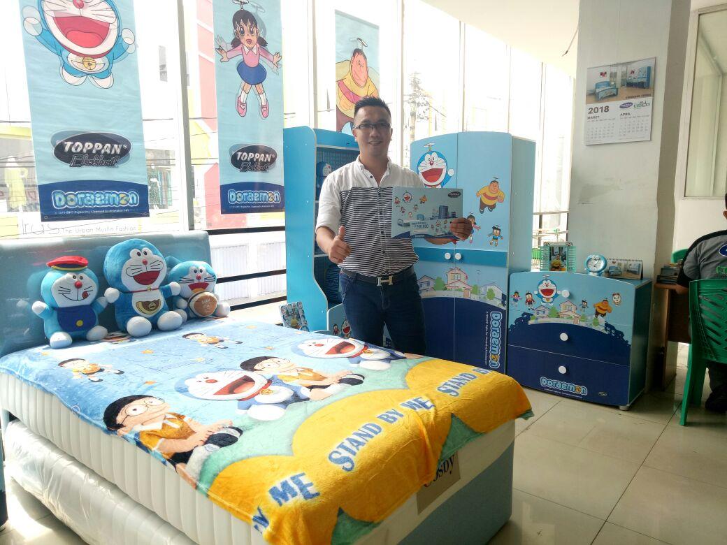 LAMPUNG POST | Toppan Furniture Sediakan Karakter Doraemon