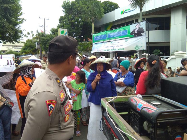LAMPUNG POST | Cantrang Dila   rang, Aktivitas TPI Lempasing Sepi