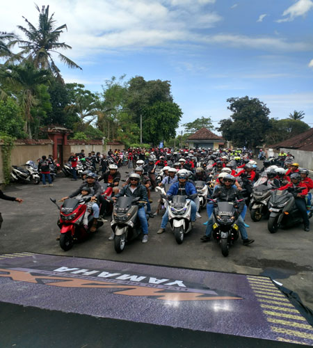 LAMPUNG POST | Di Bali, Skuter Maxi Yamaha Disukai Turis Asing