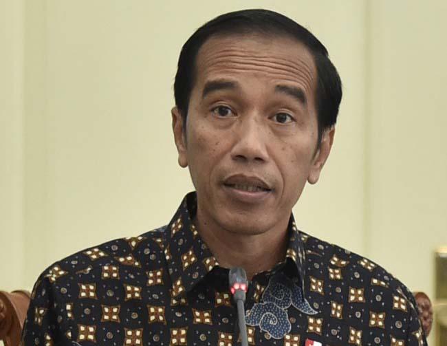 LAMPUNG POST | Jokowi: Emang Enak Enggak Ada Radio