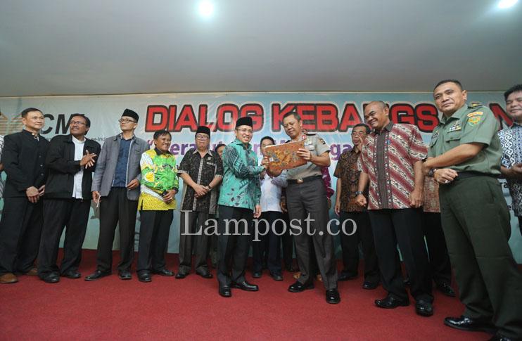 LAMPUNG POST | Tokoh Lampung Dukung Ke-Indonesiaan