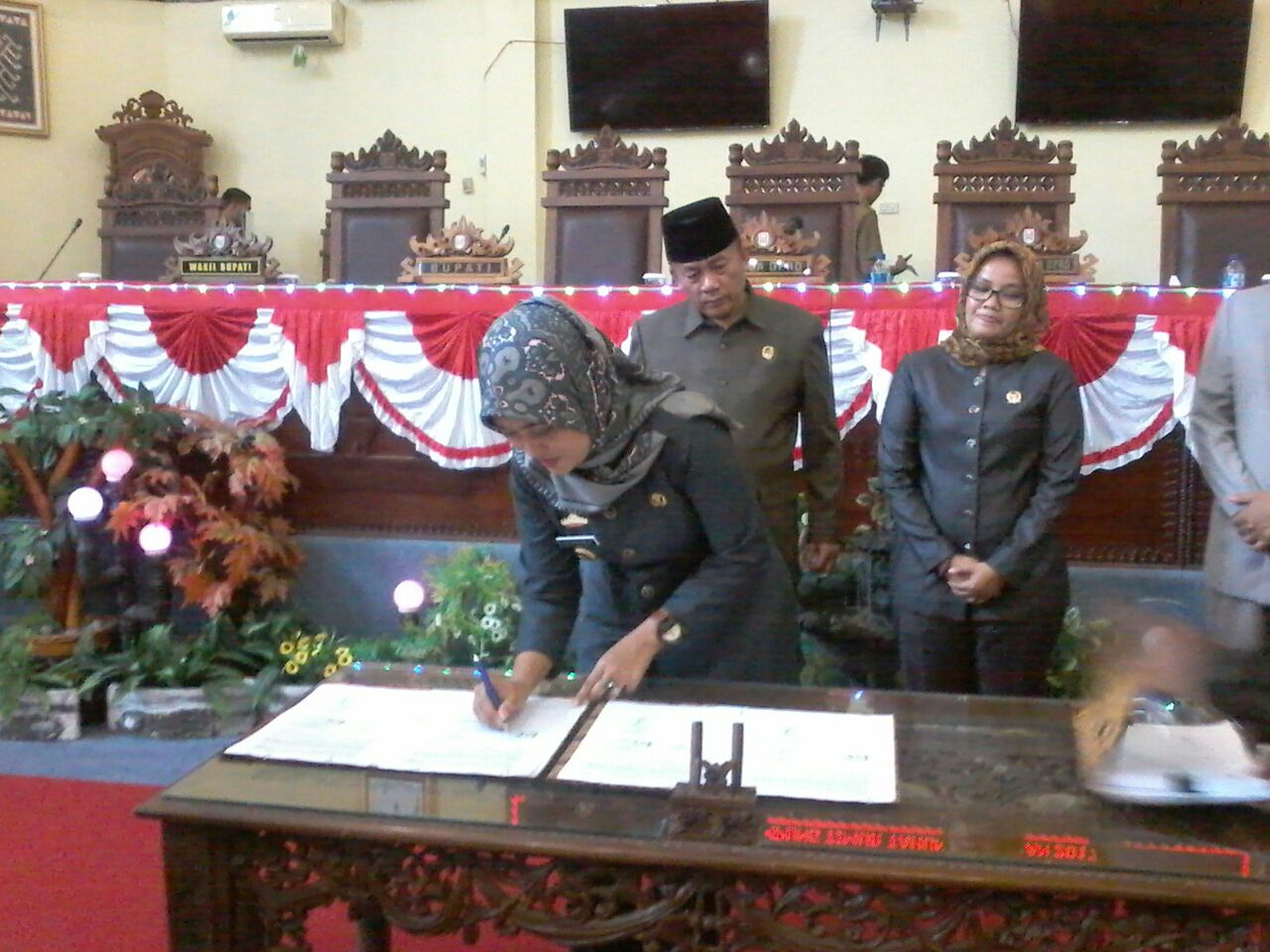 LAMPUNG POST | DPRD Lampung Timur Paripurnakan KUA,PPAS APBD Perubahan 2017