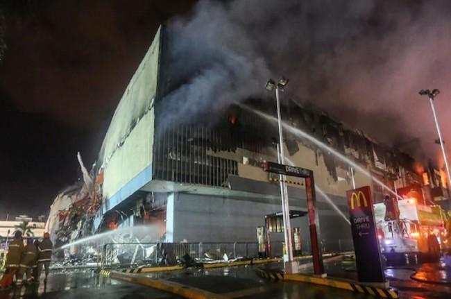 37 Orang Tewas dalam Kebakaran di Mal Davao, Filipina