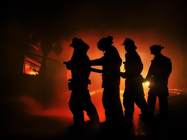 Perumahan Taman Kota Jakarta Terbakar, 20 Damkar Dikerahkan