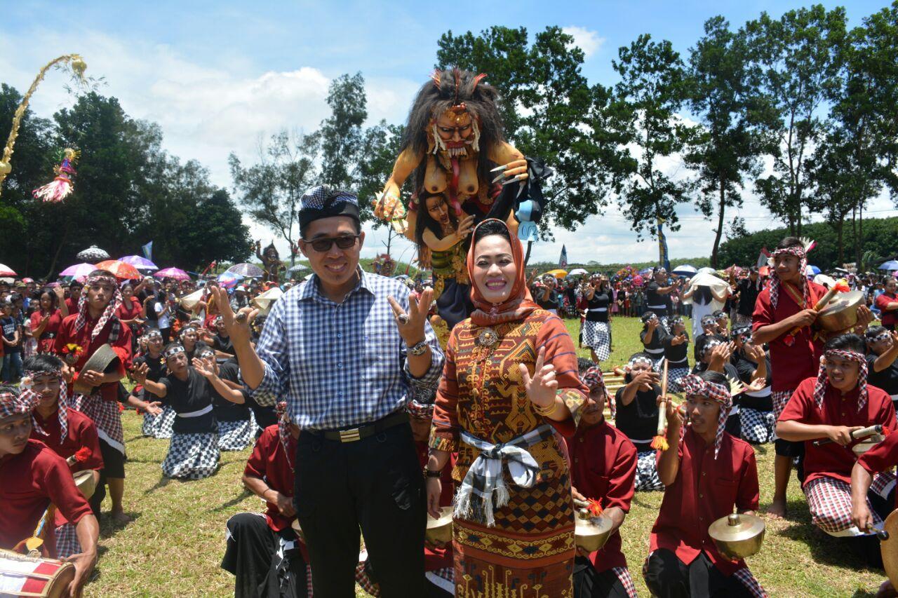 LAMPUNG POST | Zaiful Bokhari Buka Festival Ogoh-ogoh dan Balaganjur