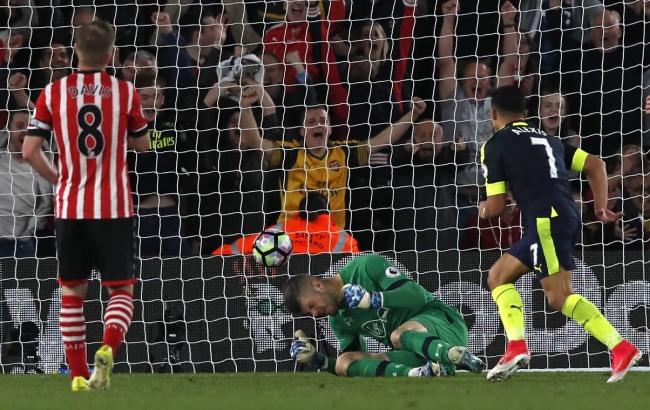 LAMPUNG POST | Arsenal Bawa Pulang Poin Penuh di Markas Southampton