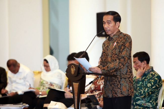 LAMPUNG POST | Presiden Minta Semua Pihak Hormati Proses Hukum Novanto