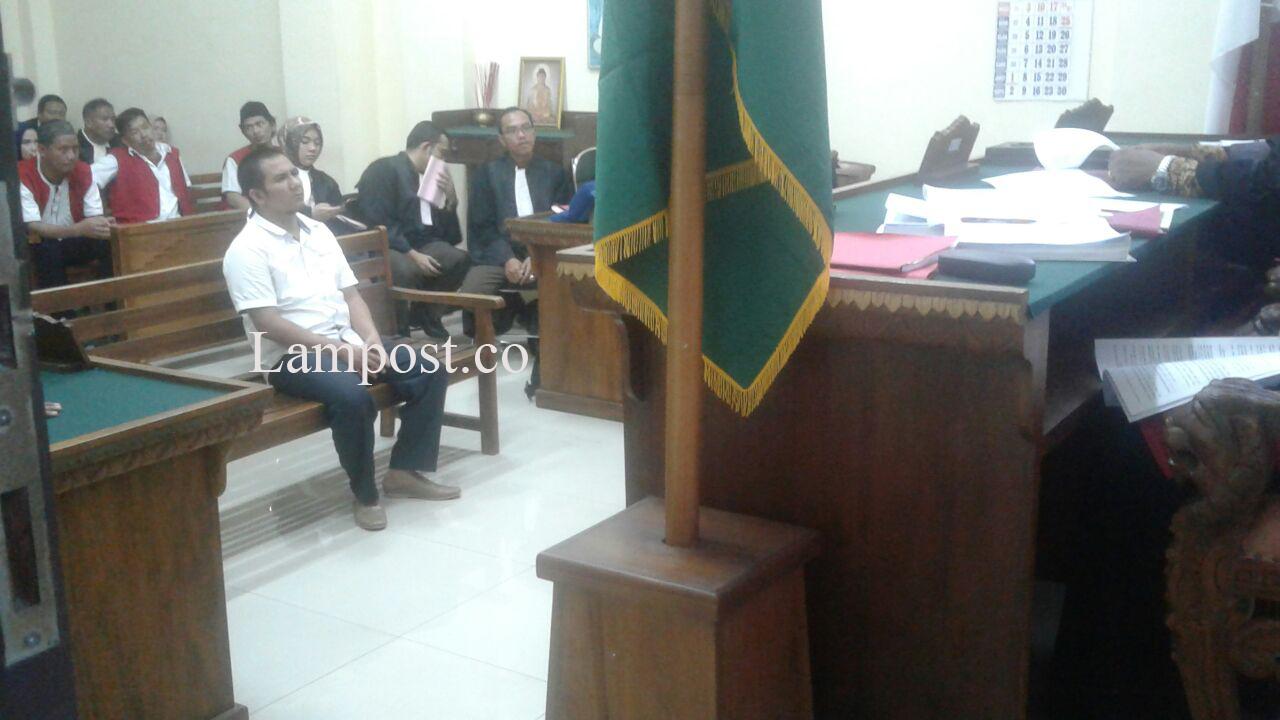 LAMPUNG POST   Nyabu, Hakim Liwa Divonis 16 Bulan Penjara