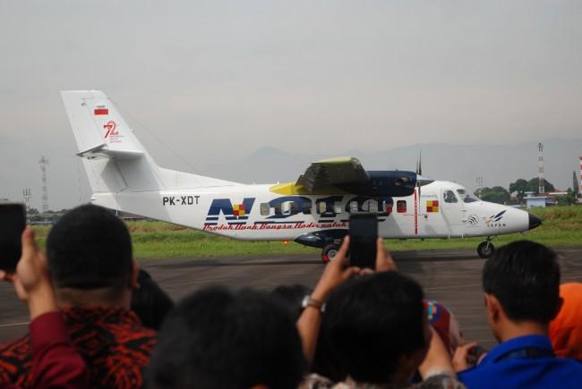 LAMPUNG POST   Jokowi akan Beri Nama Pesawat N219