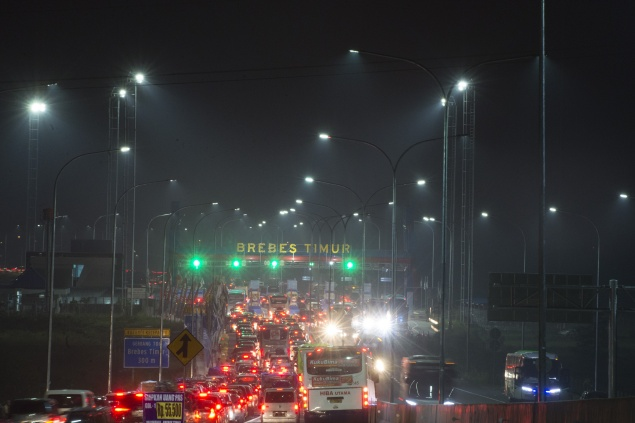 LAMPUNG POST | Titik Tol Rawan Macet saat Arus Balik