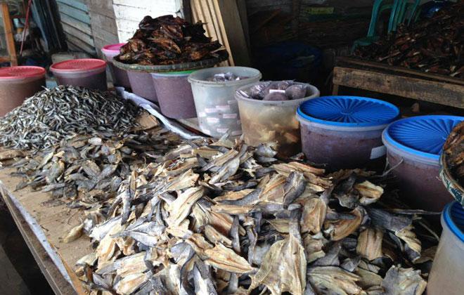 LAMPUNG POST | Berburu Terasi dan Kuliner Khas Tulangbawang di Cakatraya