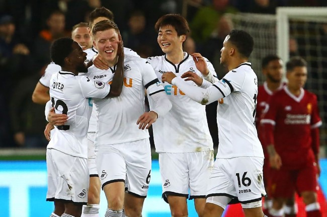 LAMPUNG POST | Swansea Hentikan 18 Laga Tak Terkalahkan Liverpool