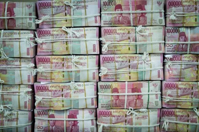 LAMPUNG POST | Awal Pekan, Rupiah Melemah di Level Rp13.333/USD