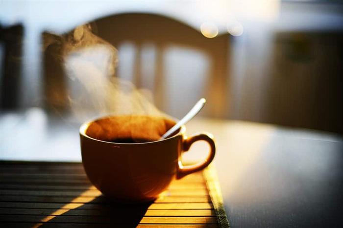 LAMPUNG POST | Apa yang Terjadi jika Anda Mengganti Kopi dengan Teh di Pagi Hari?