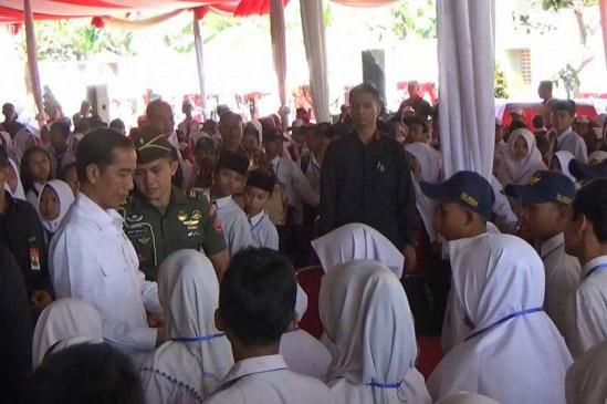 LAMPUNG POST | Hari Ini Presiden Bagikan KIP di Palembang