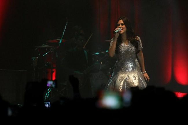 LAMPUNG POST | Raisa Curhat soal Alasannya Selalu Menyanyikan Lagu Cinta