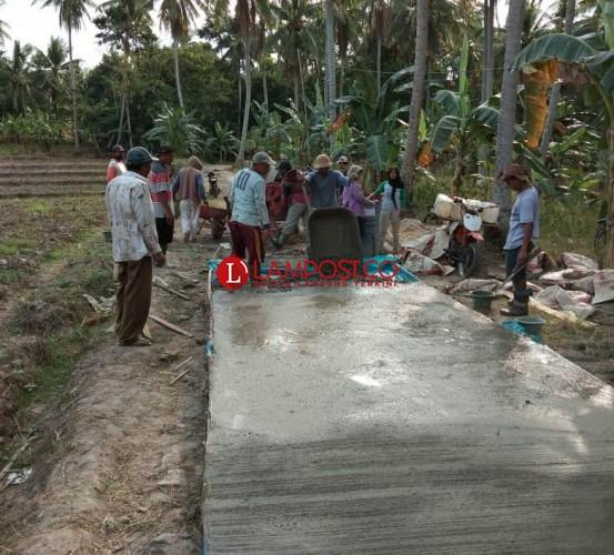 Desa Sukabanjar Terapkan Program Pembangunan Padat Karya Tunai