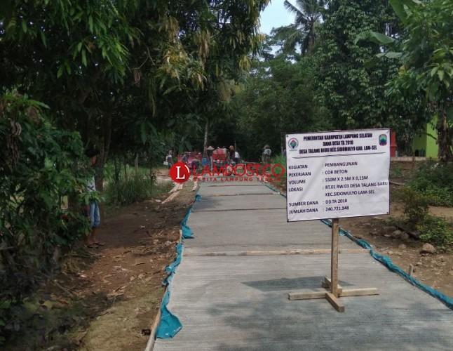 Desa Talangbaru Lanjutkan Pembangunan Jalan Antar Dusun