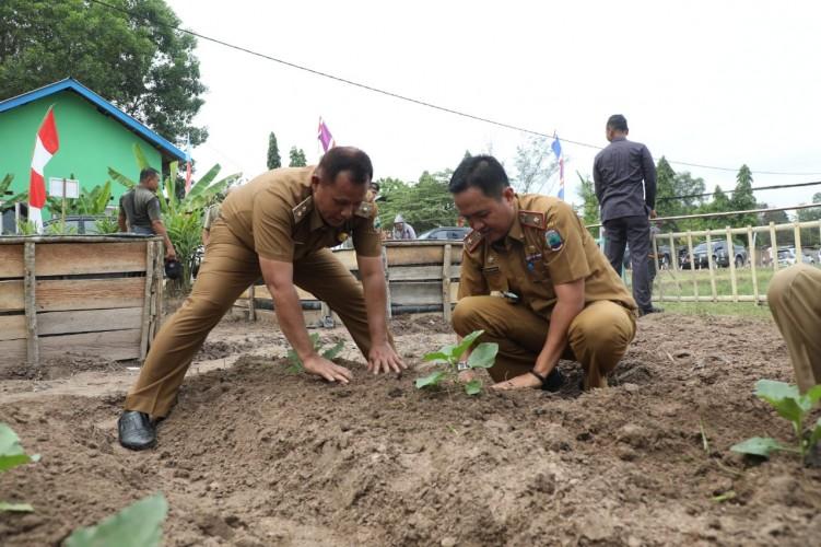 Desa Way Sari Bersiap Penilaian Lomba Kesrak KB Kesehatan