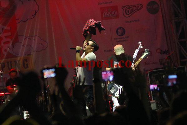 LAMPUNG POST | Naif Hentak Lampung