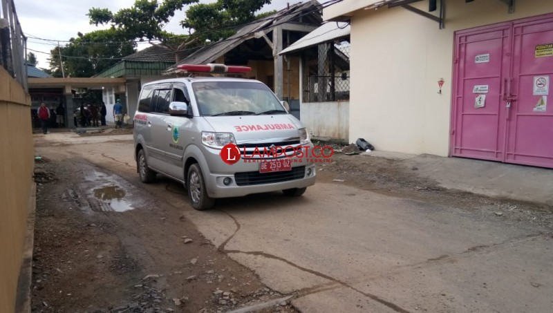 Dibalik Sirine Ambulans Itu, Ada Korban Tsunami