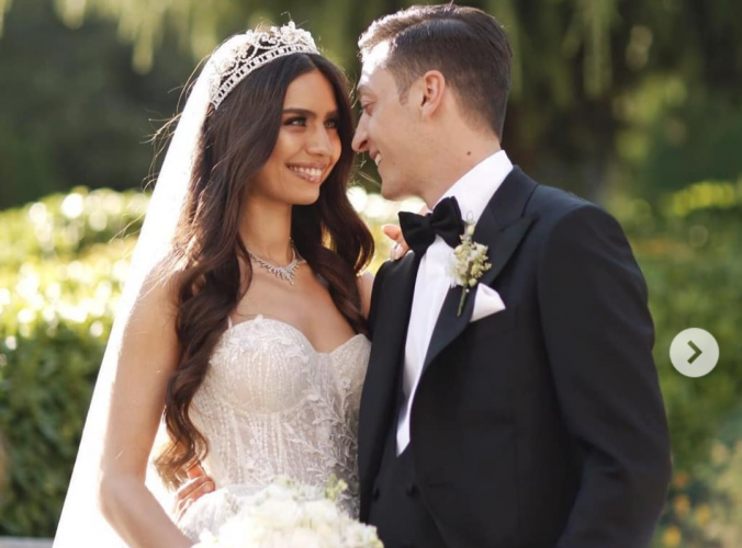 Dihadiri Presiden Erdogan, Ozil Nikahi Miss Turki