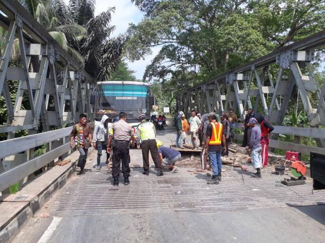 Diperbaiki, Jembatan Way Umpu Diberlakukan Sistem Buka Tutup