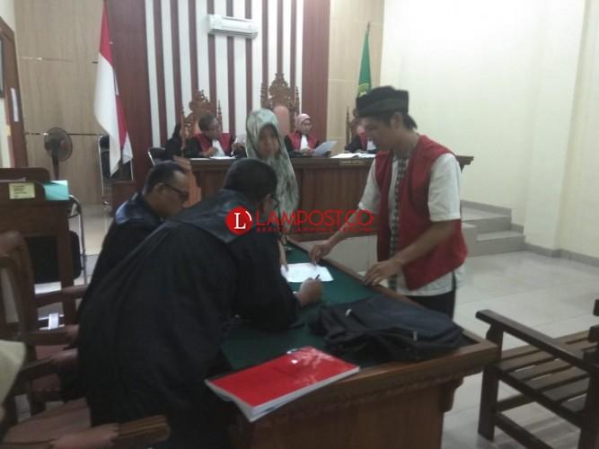 Ditangkap Melalui Penyamaran, Terdakwa Pemilik Sabu Ini Dihukum 7,5 Tahun Penjara