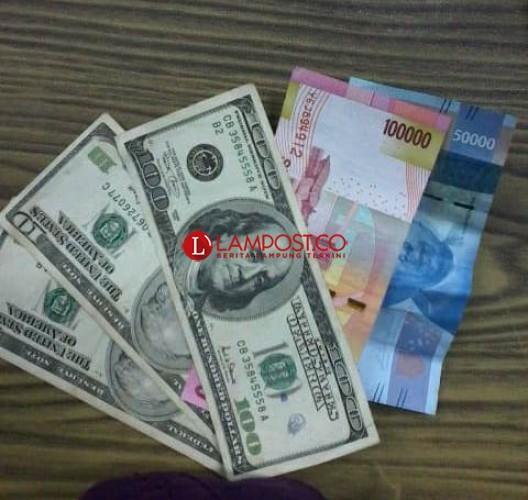 Dolar Tembus Rp15 Ribu, Pengusaha Terancam Bangkrut
