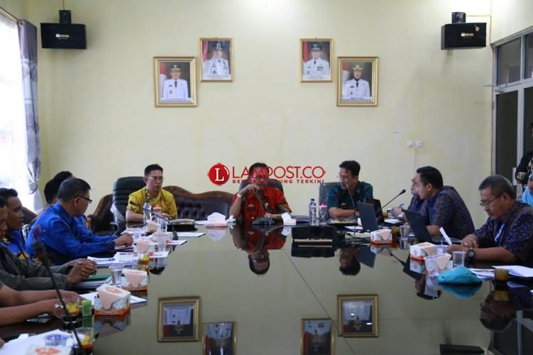 DPMPTSP Pesisir Barat Gelar Rapat Peningkatan Investasi