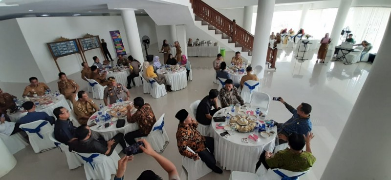 DPRD Pesisir Barat Gelar Halalbihalal