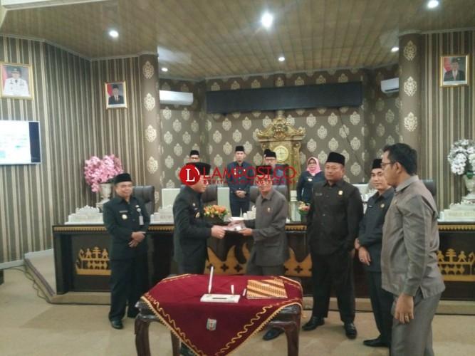 DPRD Way Kanan Gelar Paripurna Penyampaian Rekomendasi LKPJ Bupati
