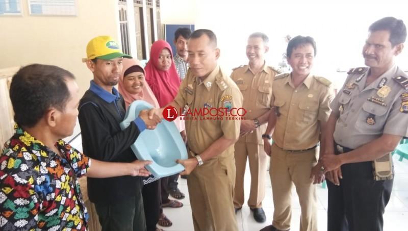 Dukung Swasembada WC, Sumbersari Bantu 110 KK Jamban Sehat