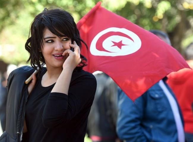 LAMPUNG POST | Tunisia Cabut Larangan Wanita Muslim Menikahi Pria Non-Muslim