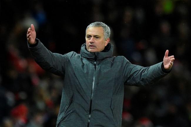 LAMPUNG POST | Mourinho: City Dinaungi Keberuntungan