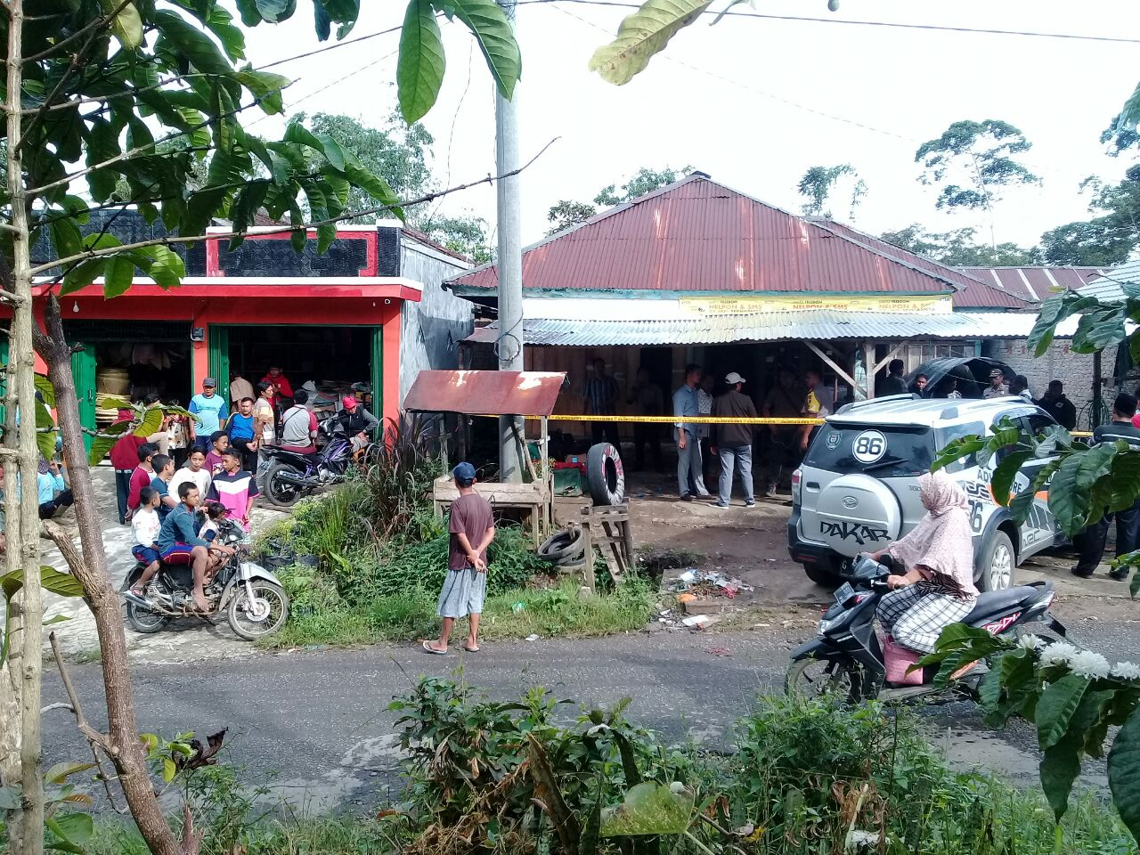 LAMPUNG POST | Perampokan Karyawan BW, Polisi Geledah Kontrakan Milik Jhon