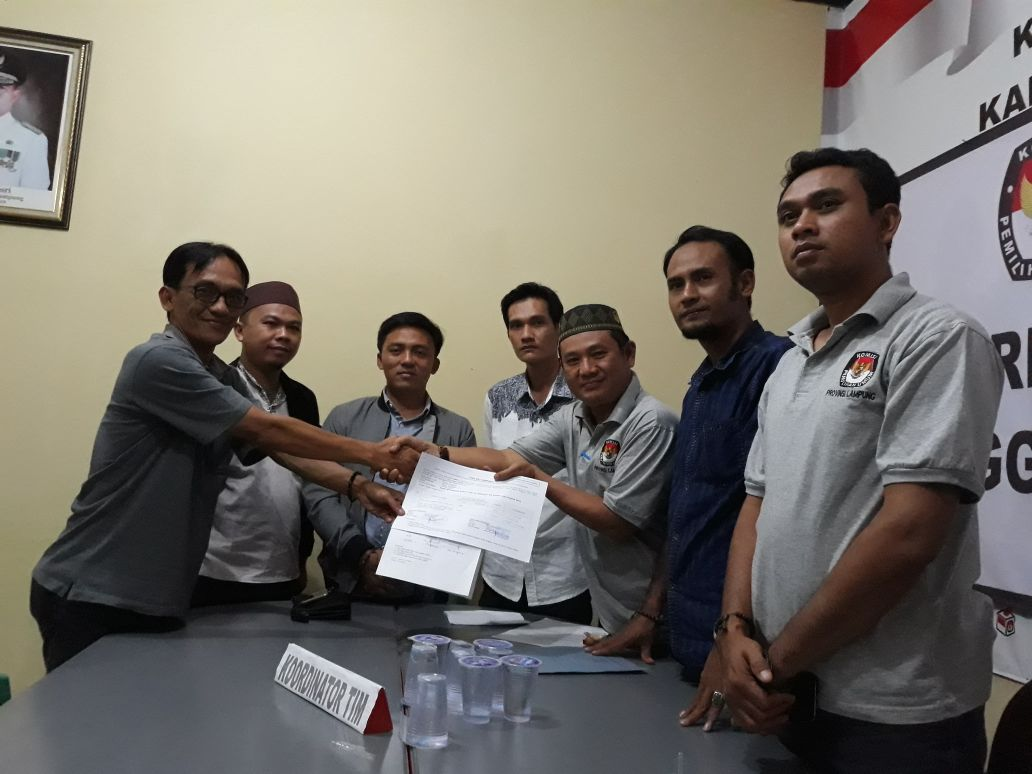 LAMPUNG POST | Daftar ke KPU Lampung Barat, PKPI dan PIK Tidak Kembalikan Berkas