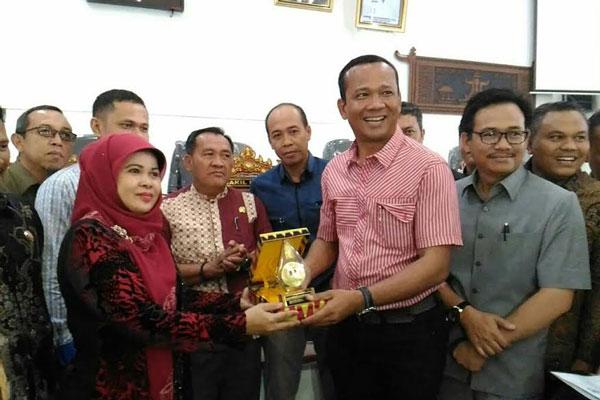 LAMPUNG POST | Program Ronda Lampung Tengah Dilirik Legislator Kabupaten OKU Timur
