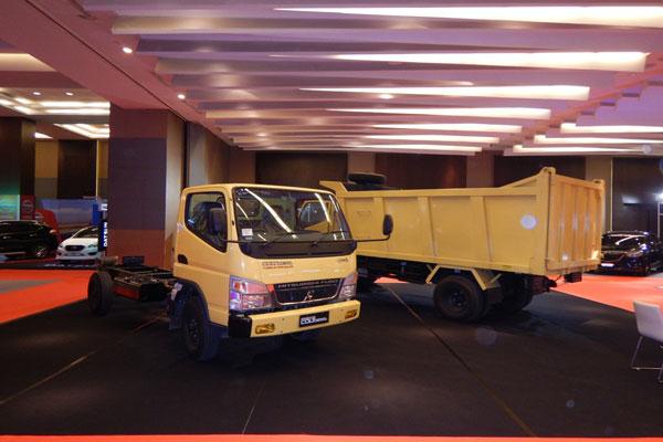 LAMPUNG POST | Mitsubishi Fuso Boyong 6 Varian di POM 2017