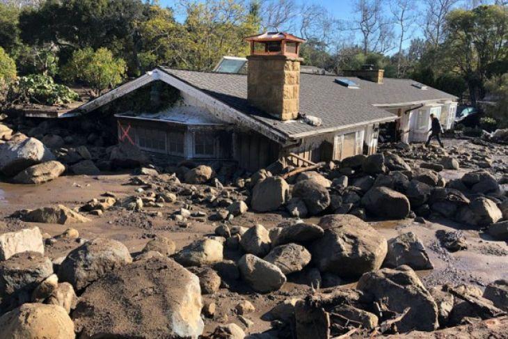 LAMPUNG POST | Jumlah Korban Tewas Longsor di California Capai 18 Orang
