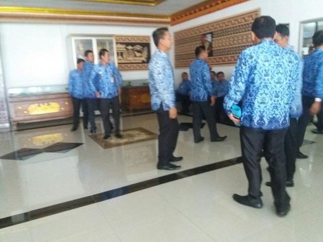 Puluhan ASN Lampung Utara Temui Pejabat Setempat