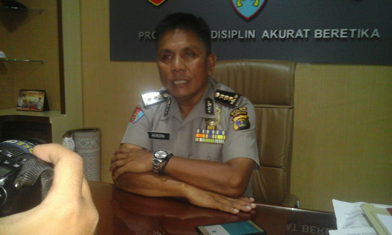 LAMPUNG POST | Propam Gunduli Sampai Plontos Oknum Polisi Penganiaya Tukang Cukur
